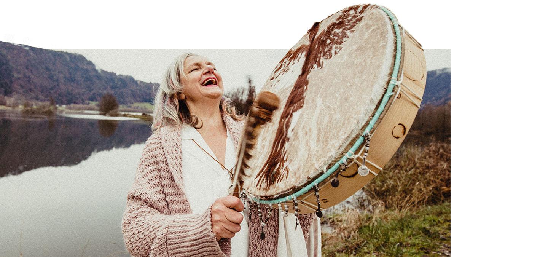 Vayana - einfach sein - meine Geschichte - Josefine, die Schamanin mit Trommel